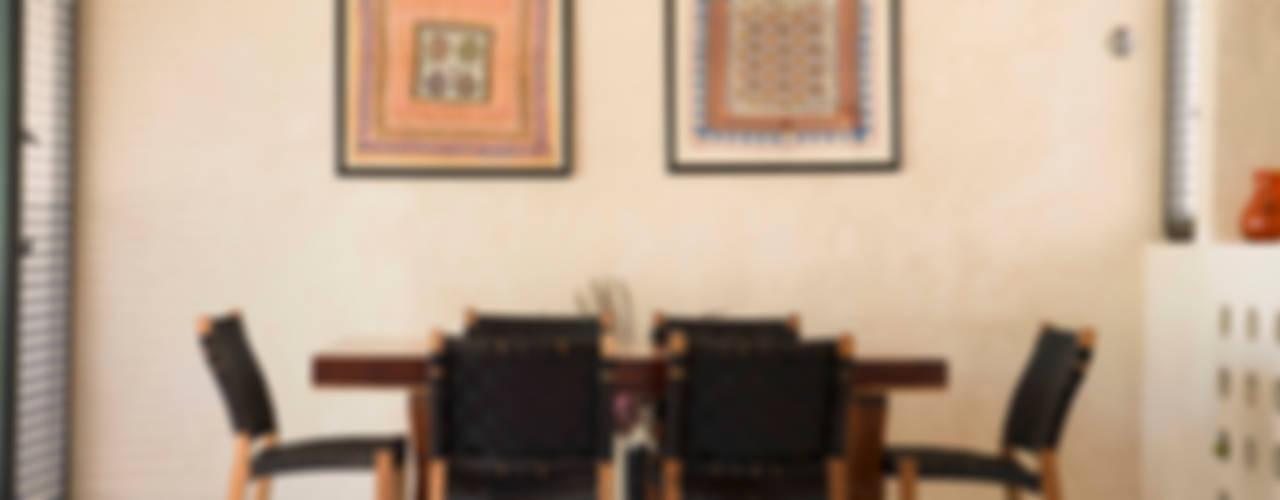 Alberto Zavala Arquitectos Modern dining room