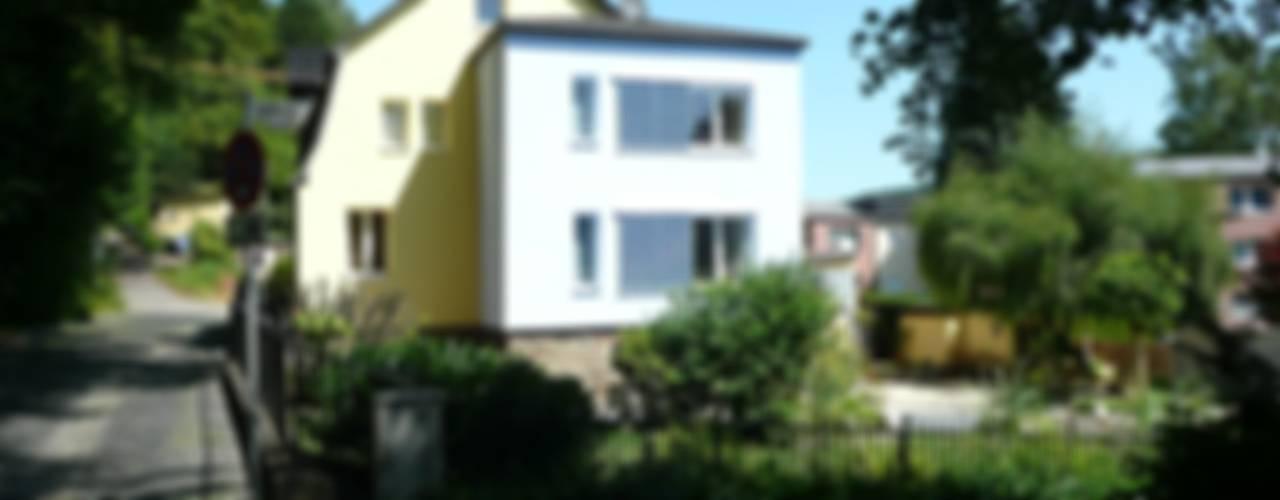 Casas de estilo clásico de Architekt Dipl.Ing. Udo J. Schmühl Clásico