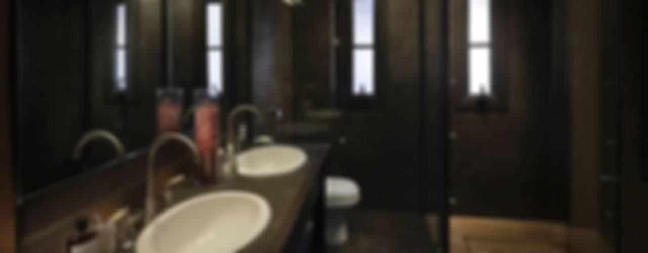 Rustic style bathroom by Bórmida & Yanzón arquitectos Rustic