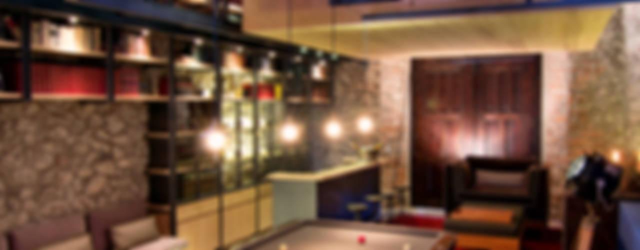Sala de juegos: Cavas de estilo  por Weber Arquitectos, Ecléctico