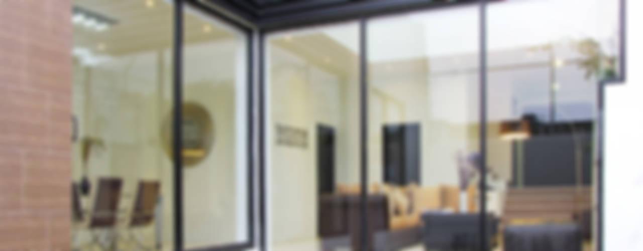 Vista Exterior- Fachada Interior: Casas de estilo  por Estudio Meraki