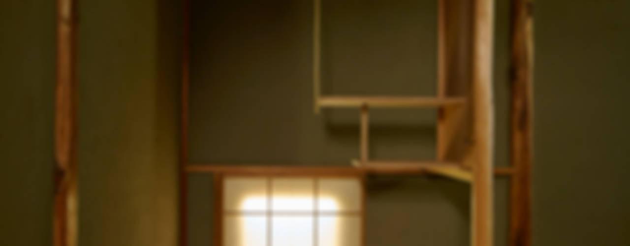 茶室を兼ね備えた東京の一軒家: 株式会社吉川の鯰が手掛けた和室です。,クラシック