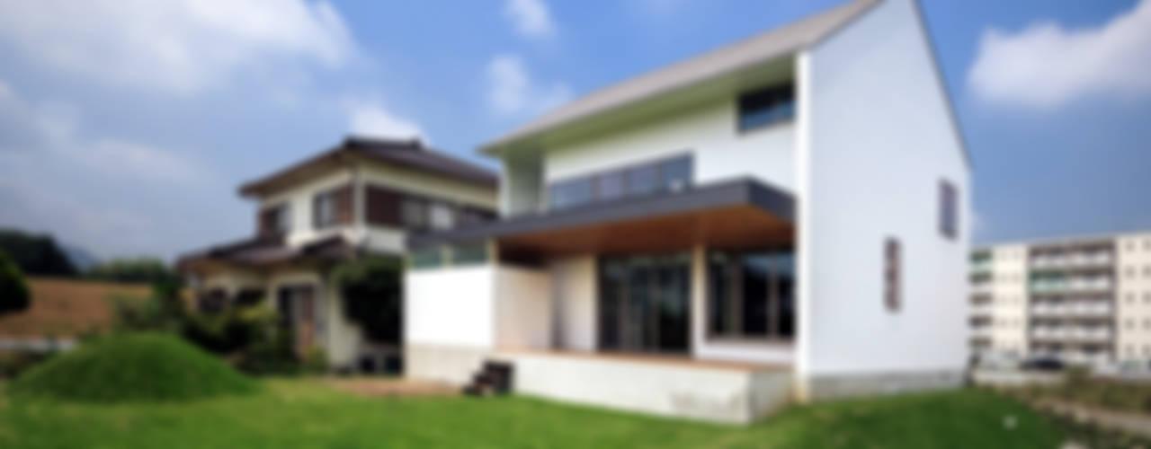 Casas de estilo escandinavo de 一級建築士事務所haus Escandinavo