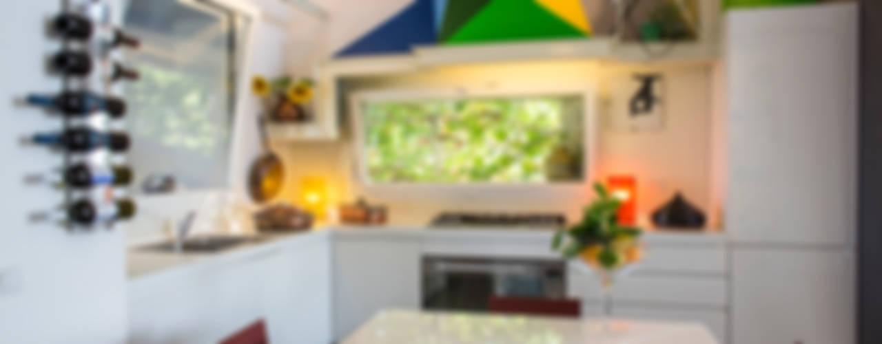 Villa nelle Marche Cucina moderna di RoccAtelier Associati Moderno