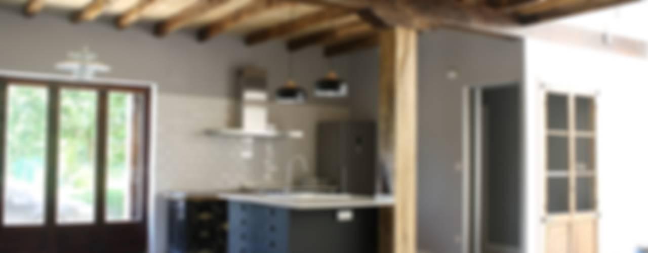 Rehabilitación de Caserío en Bergara (Guipuzcoa) Cocinas de estilo rústico de Lidera domÉstica Rústico