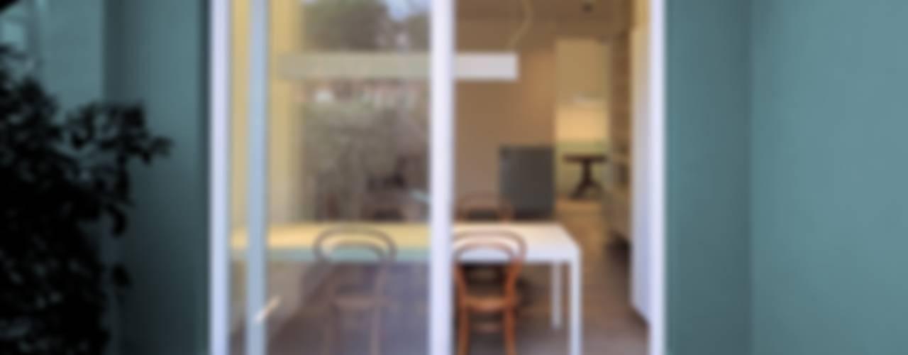 CAS/AL/PALOCCO [2012] Balcone, Veranda & Terrazza in stile moderno di na3 - studio di architettura Moderno