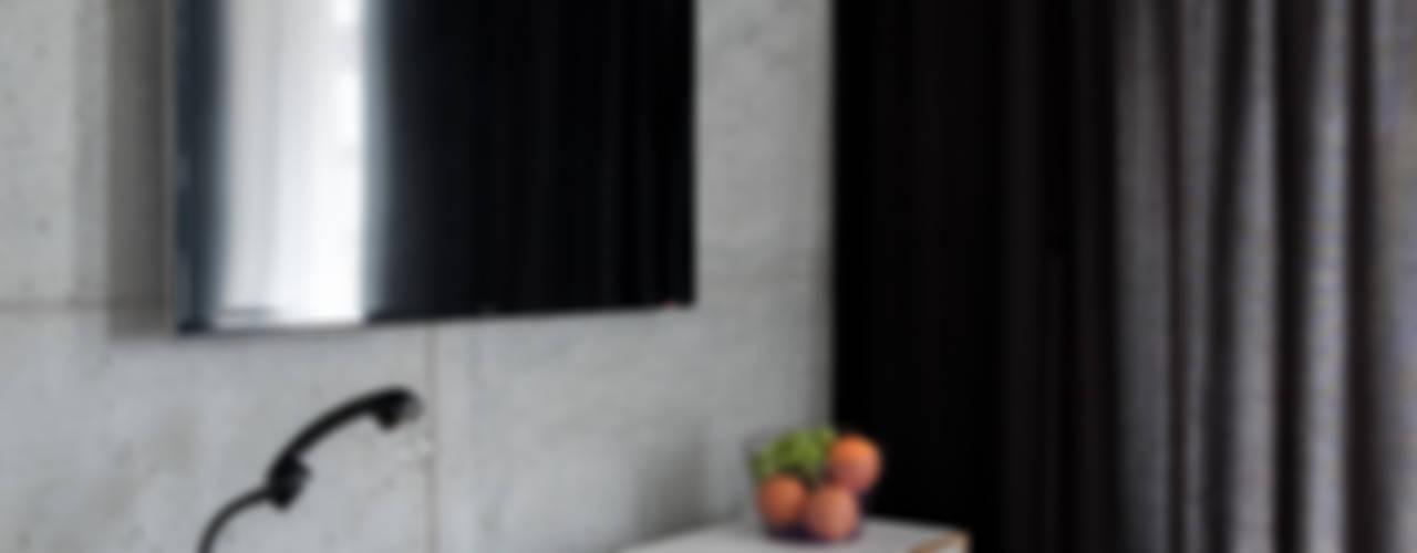 Moderne Wohnzimmer von Jacek Tryc-wnętrza Modern