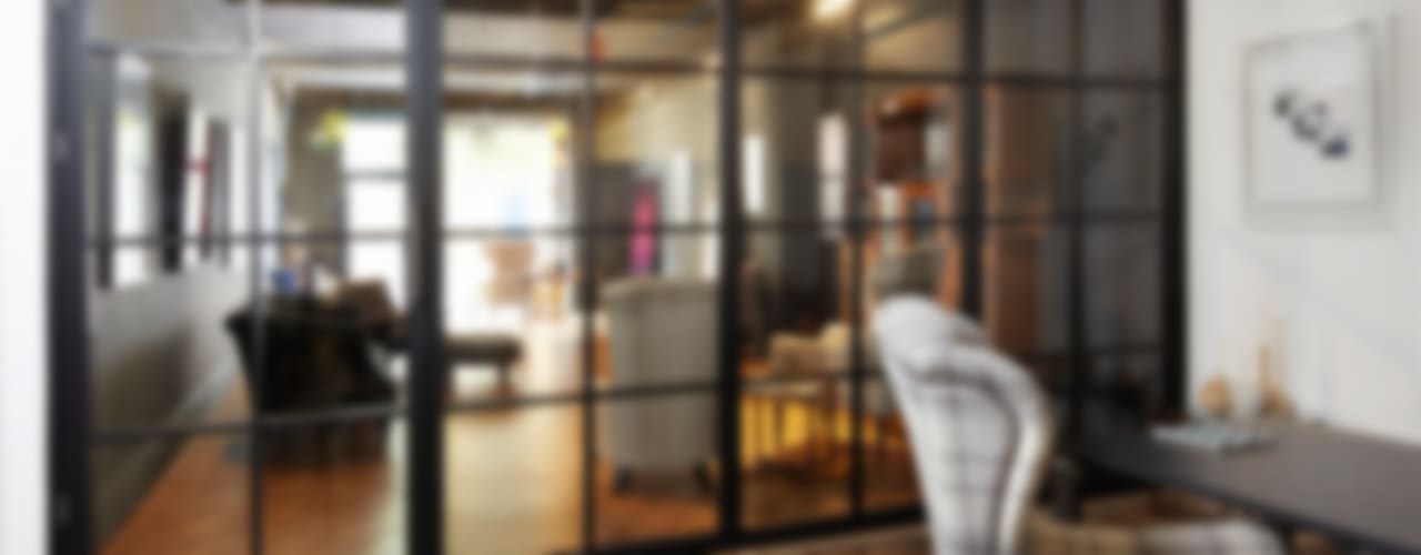 Puertas de vidrio de estilo  por Work House Collection