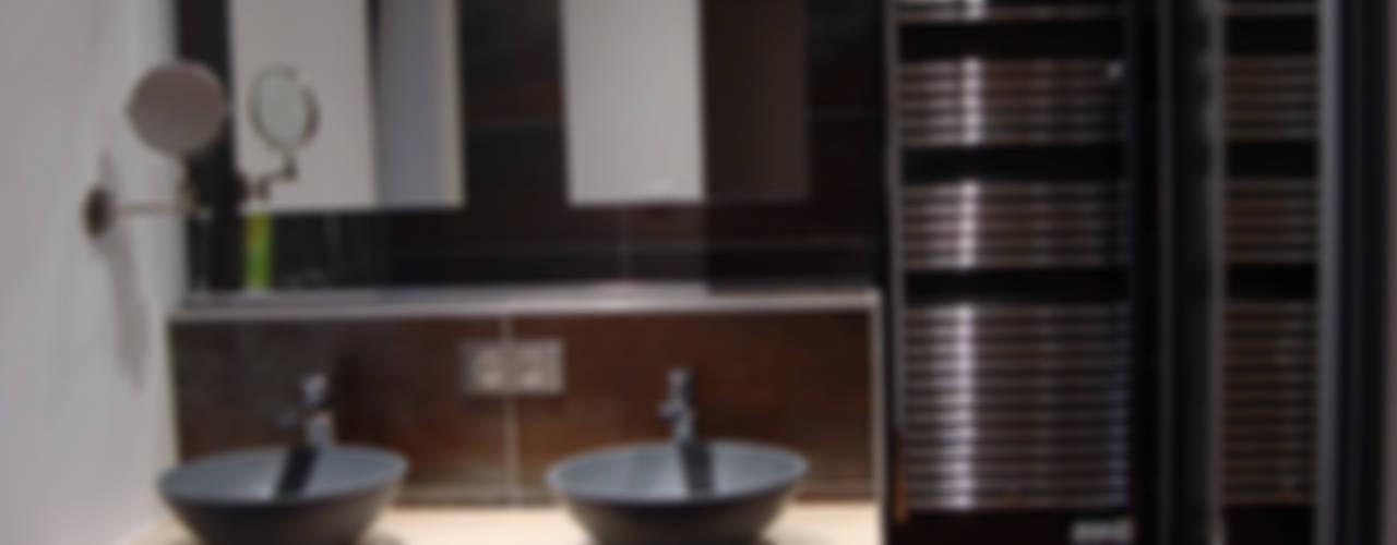 Cabane Ferret Capienne Salle de bain moderne par Clemence de Mierry Grangé Moderne