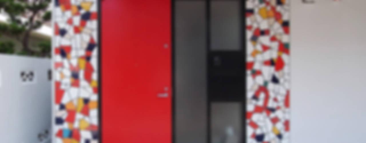 音楽家の家「Casa Felice」 モダンな 窓&ドア の ユミラ建築設計室 モダン