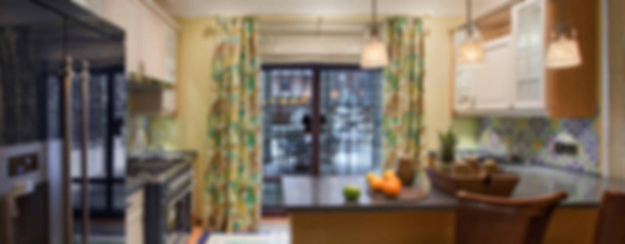 Загородный дом в Подмосковье: Кухни в . Автор – Abwarten!, Средиземноморский