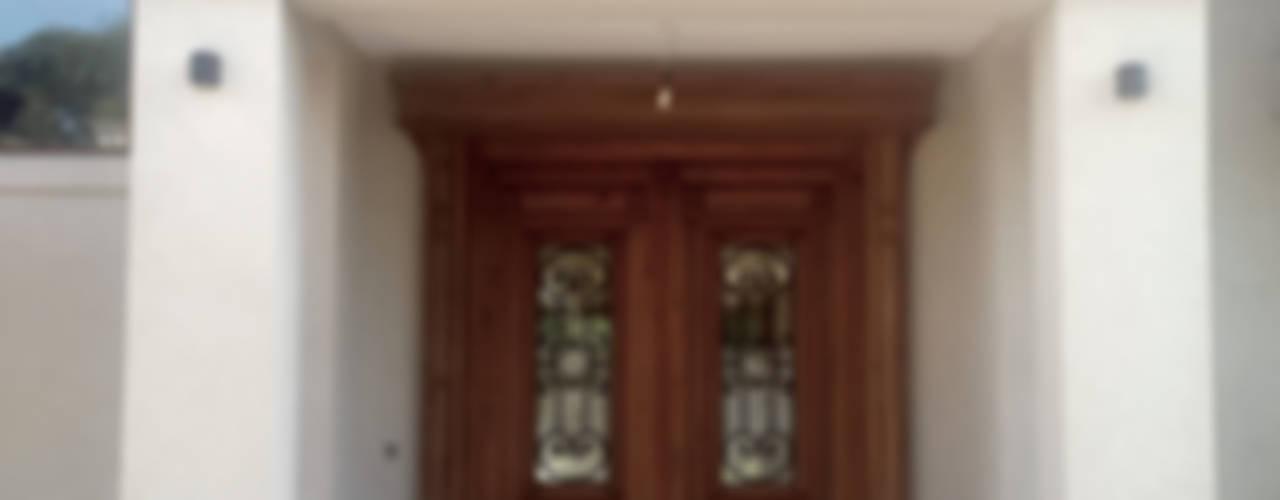 CASA EN PILAR Casas clásicas de Estudio Arqt Clásico
