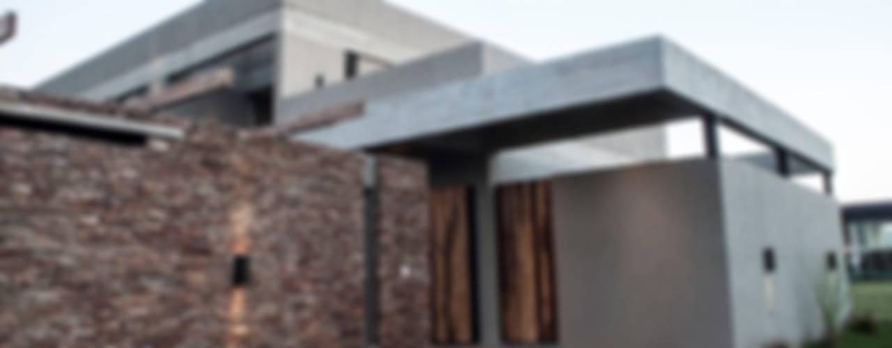 Casas modernas de FAARQ - Facundo Arana Arquitecto & asoc. Moderno