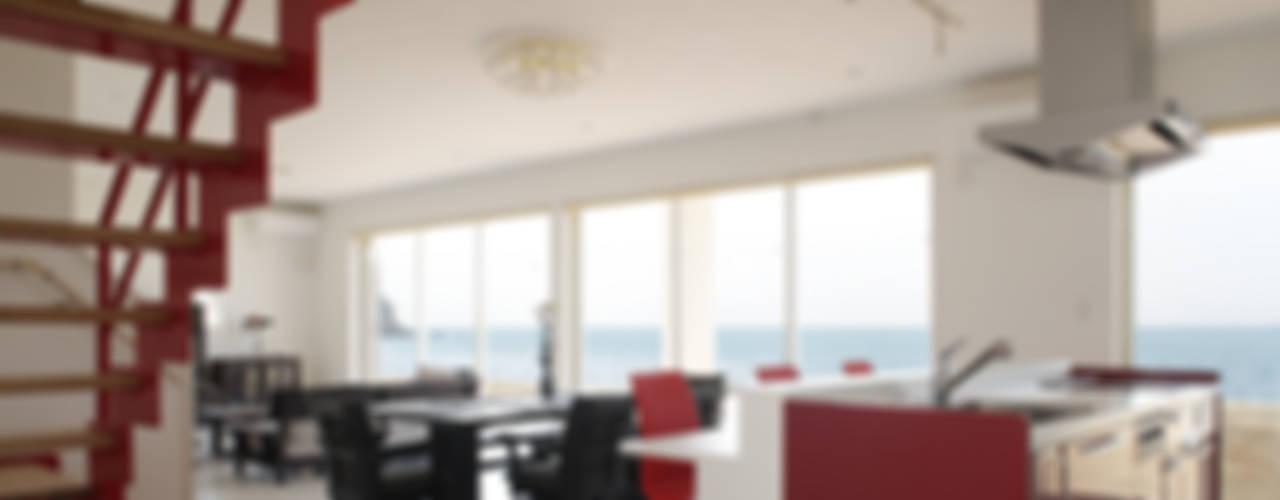 プロバンス風住宅 有限会社タクト設計事務所 モダンデザインの ダイニング