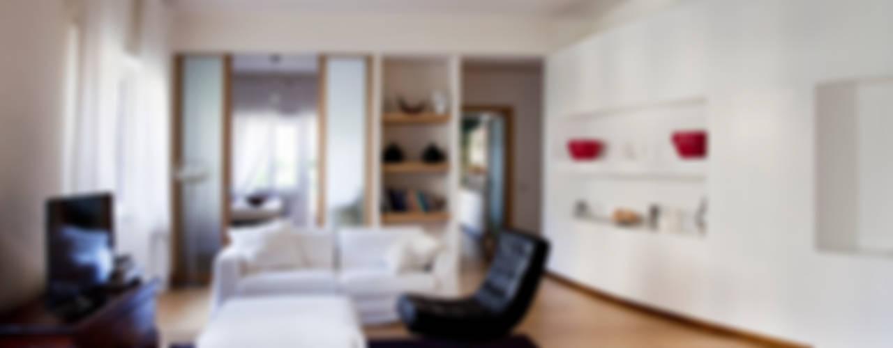 Casa T Soggiorno moderno di MAT architettura e design Moderno
