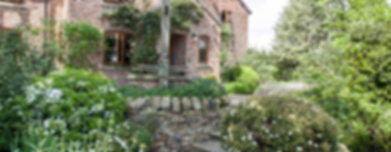 Cottage Garden, Cheshire Jardin rustique par Barnes Walker Ltd Rustique
