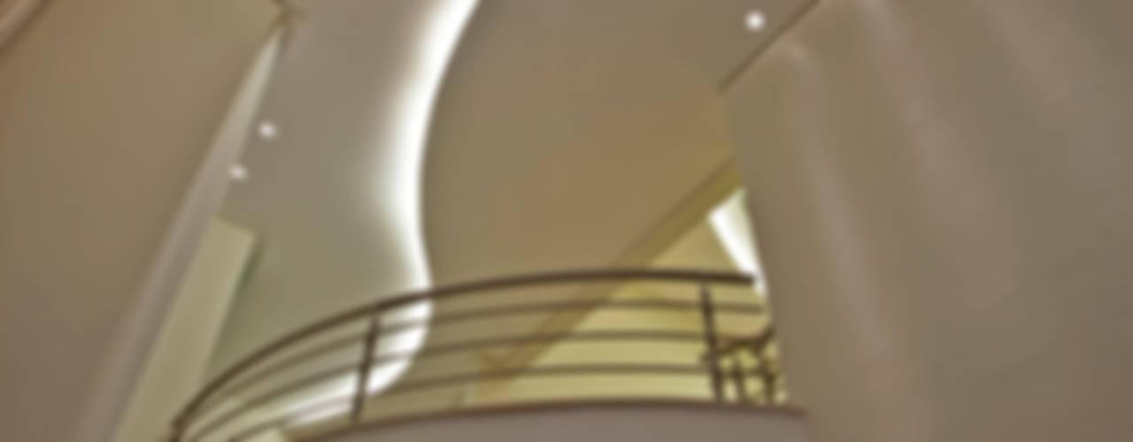 de estilo  por Arquiteto Aquiles Nícolas Kílaris