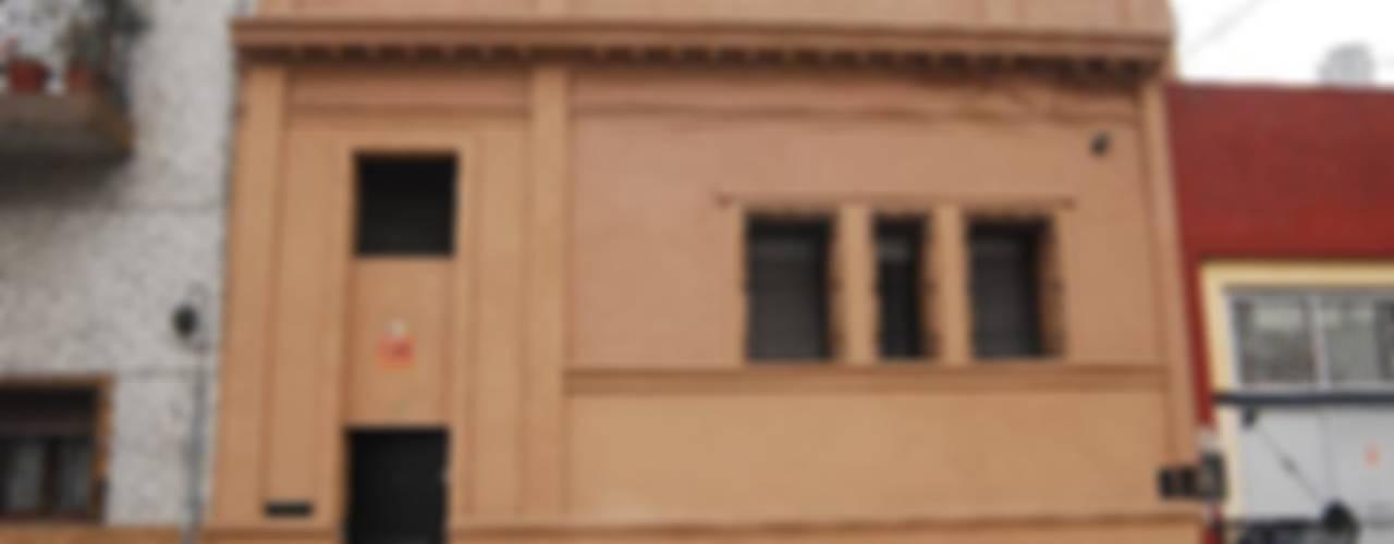 Дома в . Автор – Parrado Arquitectura, Эклектичный