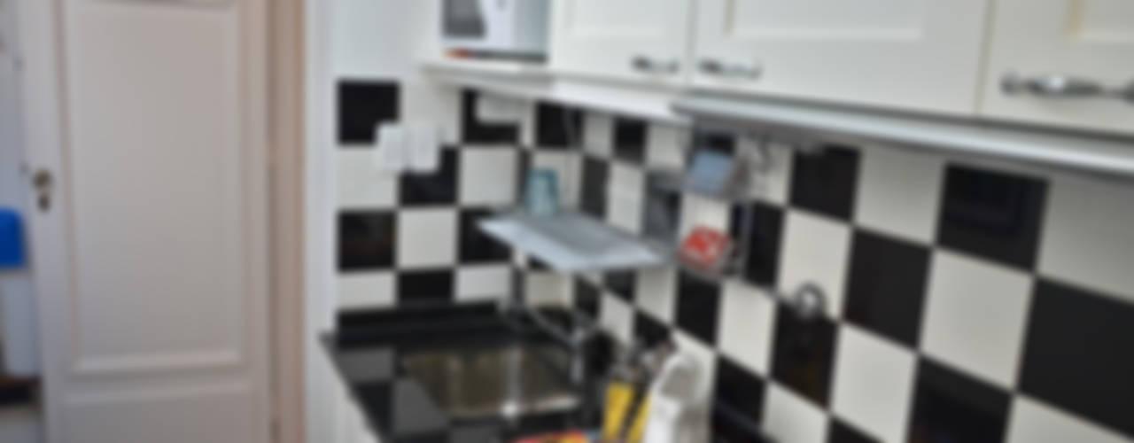 Departamento en Recoleta I: Cocinas de estilo  por GUTMAN+LEHRER ARQUITECTAS