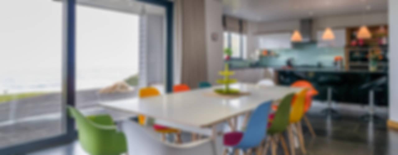 Venus Table SOAP designs Modern dining room