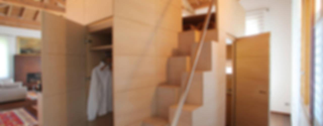 isabella maruti architetto Vestíbulos, pasillos y escalerasPercheros