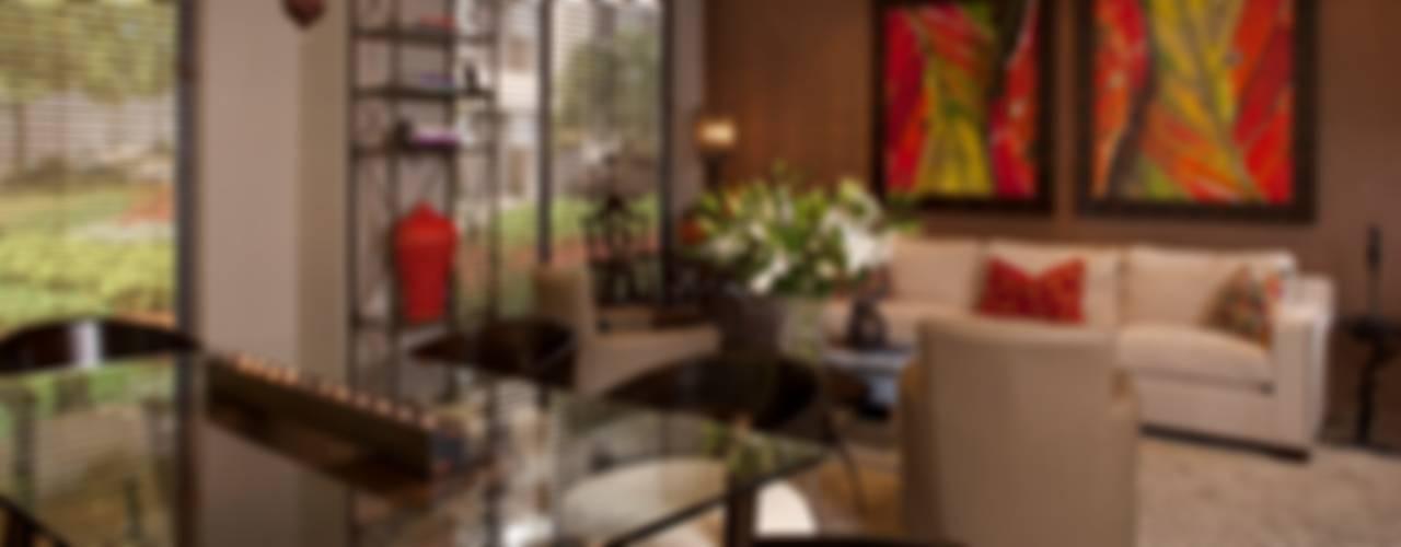 Dining room by UNUO Interiorismo , Classic