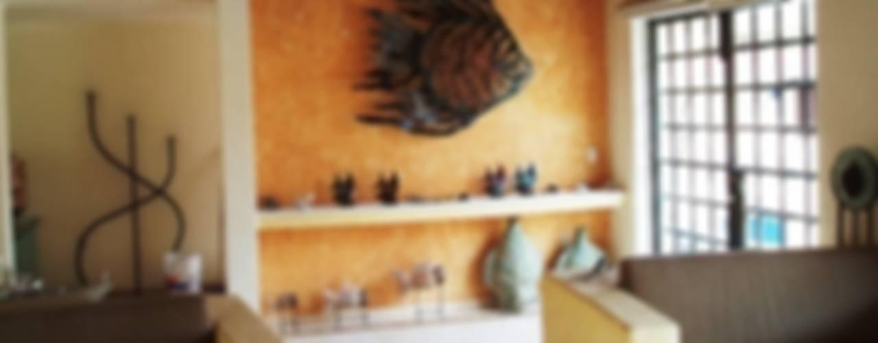 Restauración interior CASA OLINALA Acapulco:  de estilo  por ARQUELIGE, Rústico