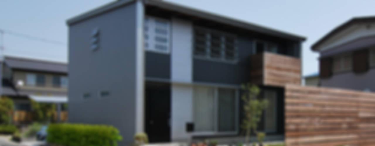 浜松の家 モダンな 家 の 原 空間工作所 HARA Urban Space Factory モダン