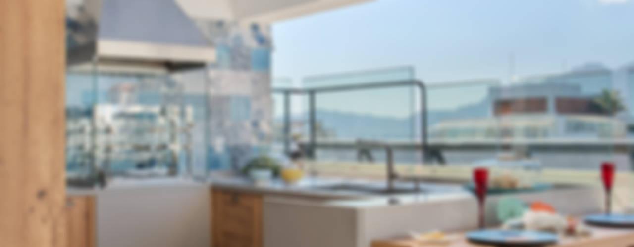 Balcones y terrazas tropicales de Ana Adriano Design de Interiores Tropical