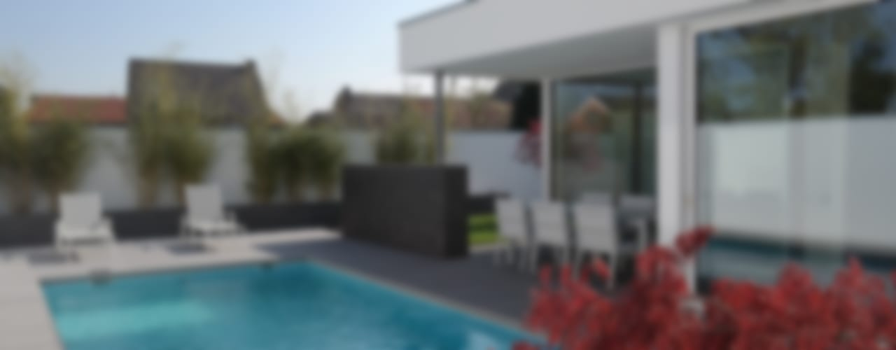 Anbau mit Aussenanlage K3- Planungsstudio Moderner Balkon, Veranda & Terrasse