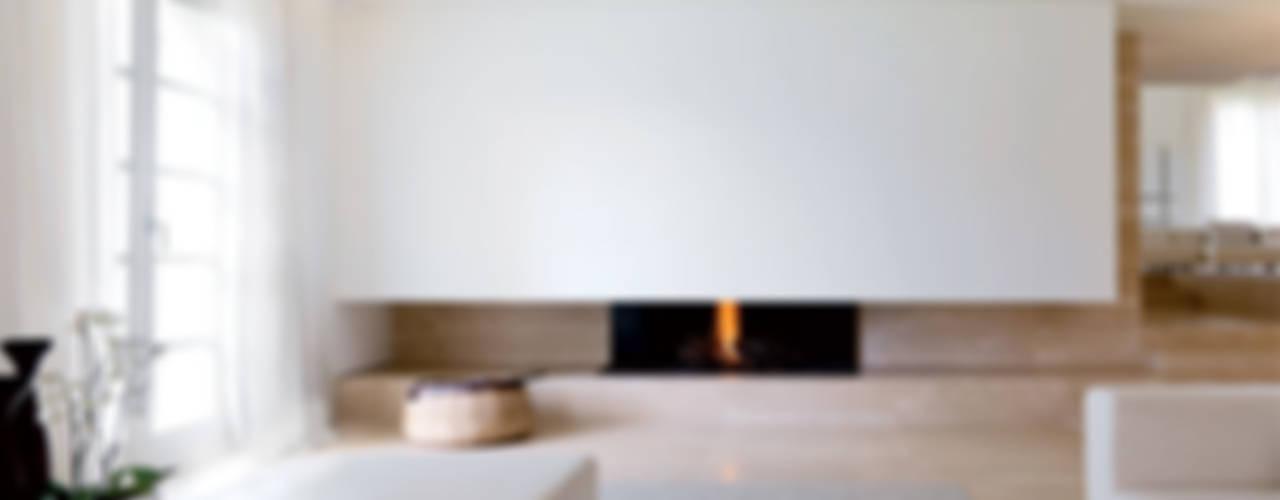Residenza Privata Soggiorno minimalista di Reggiani SPA Illuminazione Minimalista