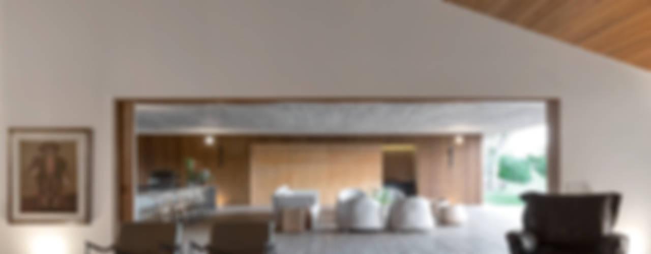 Salas de estar modernas por Studio MK27 Moderno