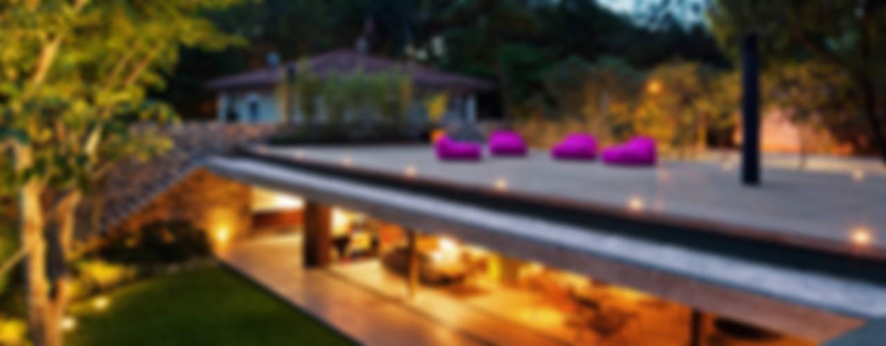 V4 House Casas modernas por Studio MK27 Moderno