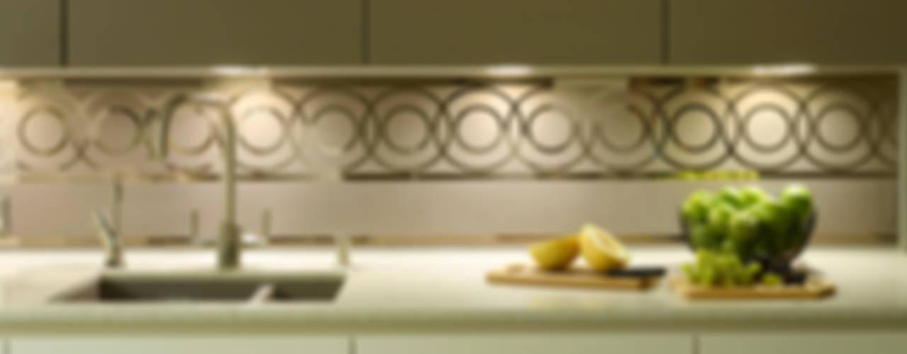 MR & MRS HARRISON'S KITCHEN Modern Mutfak Diane Berry Kitchens Modern