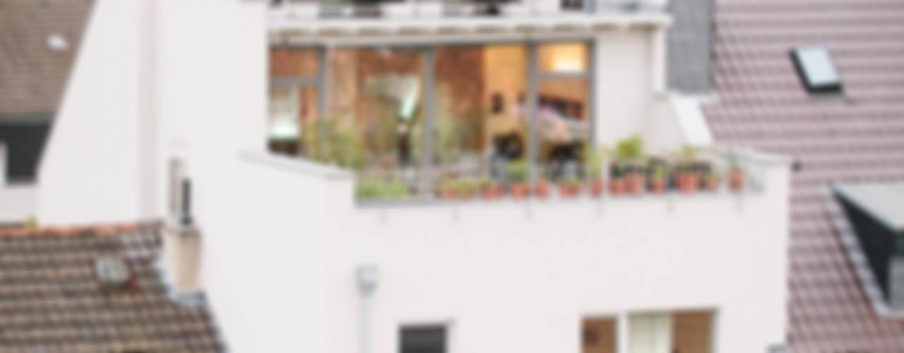 Aufstockung MFH, Köln Moderne Häuser von Jan Tenbücken Architekt Modern