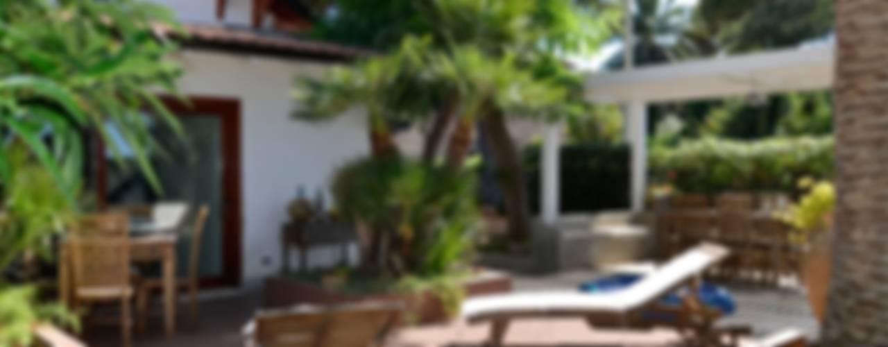 Casa sul mare in chiave contemporanea Giardino moderno di danielainzerillo architetto&relooker Moderno