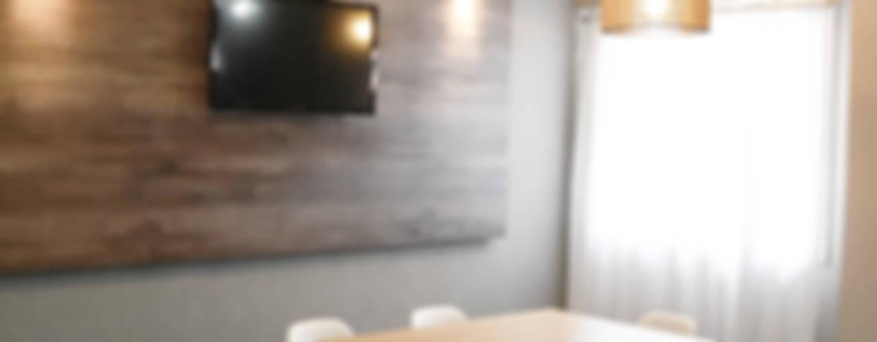 Sala da pranzo in stile rustico di Estudio Nicolas Pierry Rustico