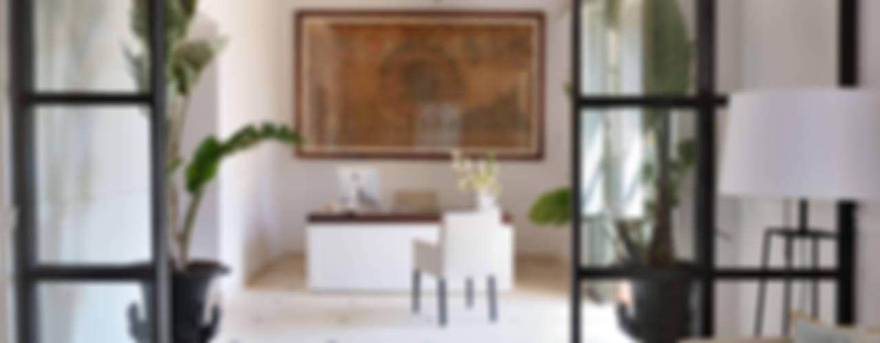HOTEL CAL REIET – THE MAIN HOUSE Salas de estilo mediterraneo de Bloomint design Mediterráneo