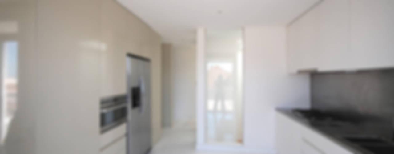 Renovação de apartamento na Junqueira Cozinhas modernas por Borges de Macedo, Arquitectura. Moderno