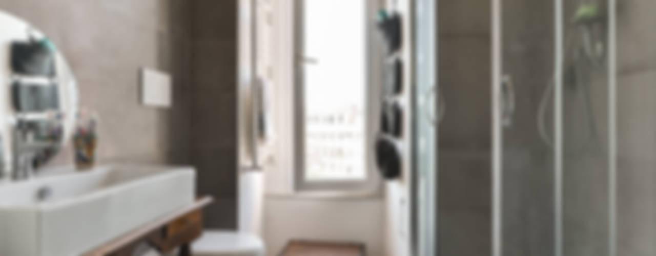 Ristrutturazione appartamento   Roma - Porta Maggiore Bagno in stile classico di 02A Studio Classico