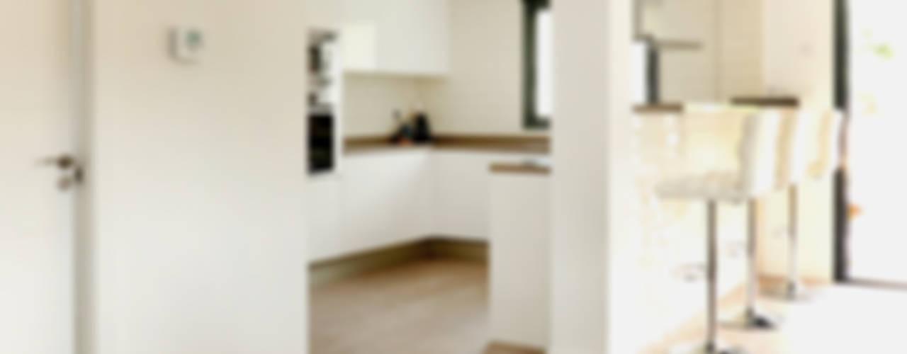 Cocinas de estilo  por acertus, Moderno