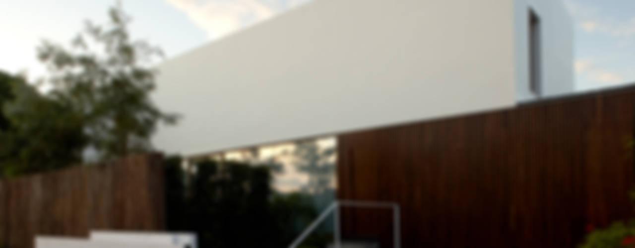 Vivienda en Cabrera de Mar: Casas de estilo  por Marcelo Ranzini - Arquitectura