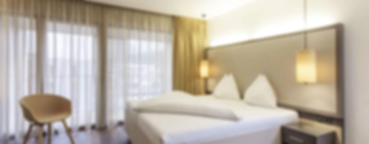 JOHANN IN TIROL (AT): Schlafzimmer Von EGGER