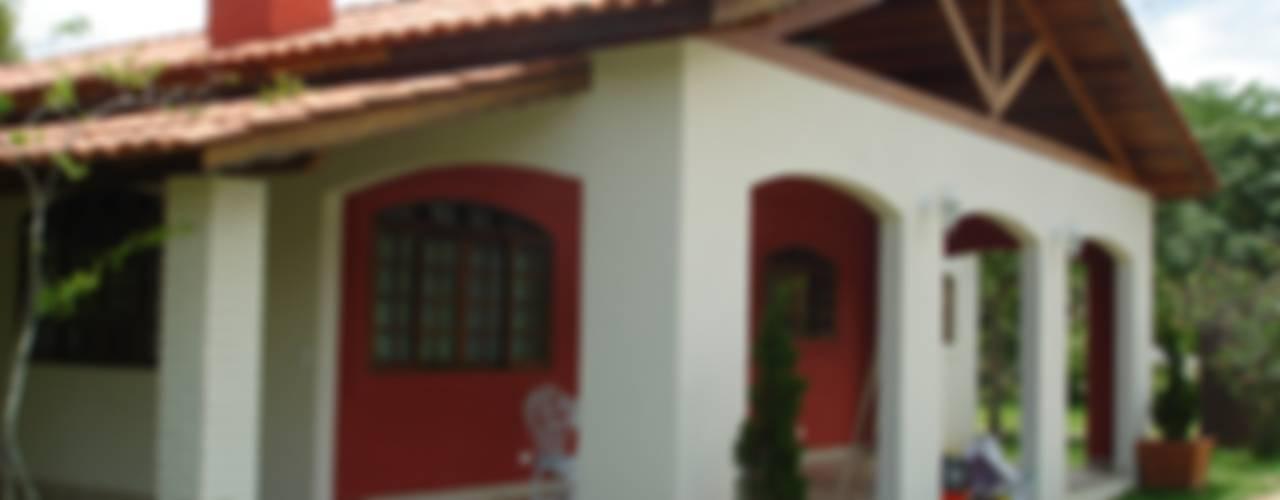 Casas de estilo  por homify , Colonial