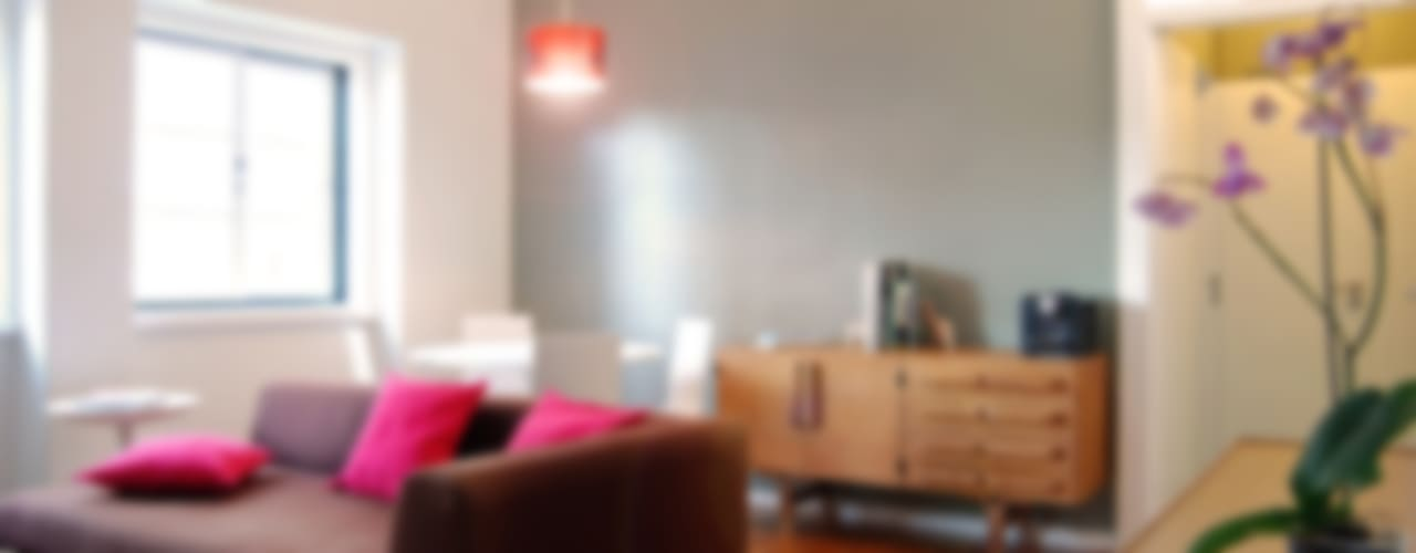 Remodelação T4 . Bairro de Alvalade, Lisboa Salas de estar ecléticas por BL Design Arquitectura e Interiores Eclético