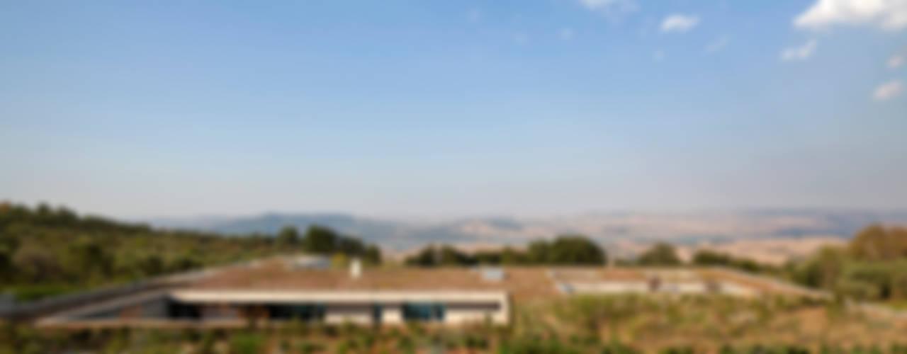 RESIDENZA PRIVATA Case in stile mediterraneo di Osa Architettura e Paesaggio Mediterraneo