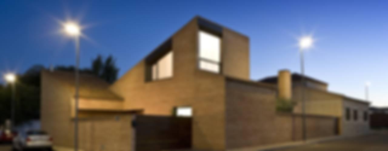 CASA RC Casas de estilo mediterráneo de daniel rojas berzosa. arquitecto Mediterráneo