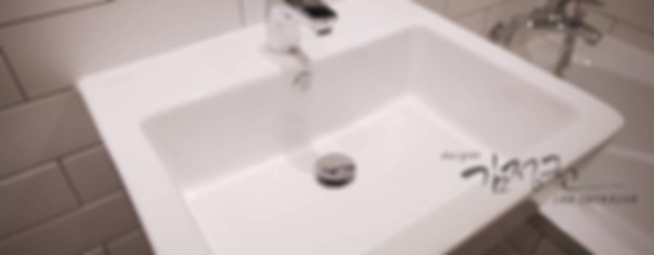 Bathroom by 김정권디자이너