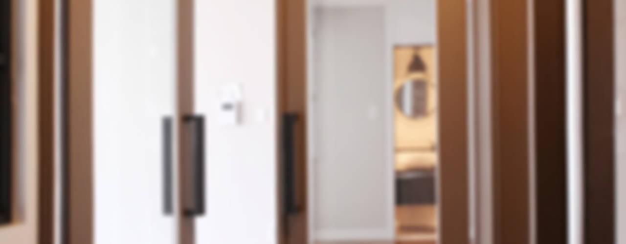 한빛 아파트: 김정권디자이너의  베란다,모던