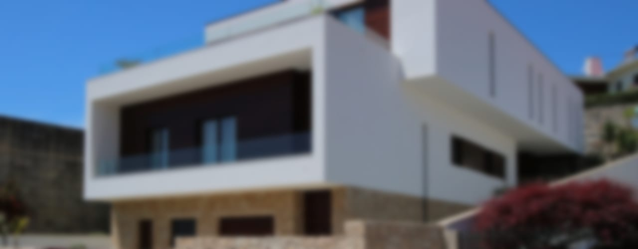Minimalist house by 3H _ Hugo Igrejas Arquitectos, Lda Minimalist